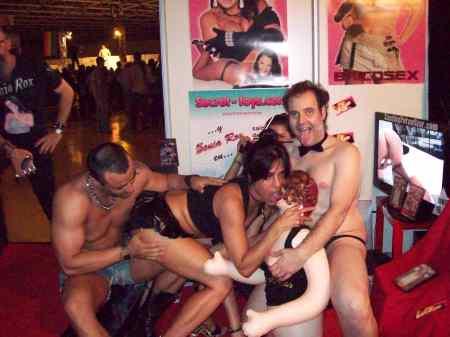 www.versex.es, de derecha a izquierda tenemos, El Tarado, La Morenaza Fafal, Isis Sexys, y Tony Deep.